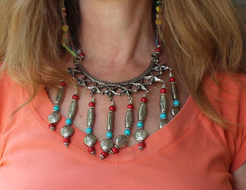 Bohemian hippie chic Halssnoer  ZILVER kleurige zeesterren met RODE en TURQUOISE BLAUWE kralen - Necklace Boho1 - Boho hippy chick necklace SILVER colored sea stars with RED and TURQUOISE BLUE beads