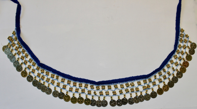 Band versierd met haakwerk, kralen en muntjes BLAUW GOUD - 55 cm versierd - Band, beads and coins decorated BLUE GOLD