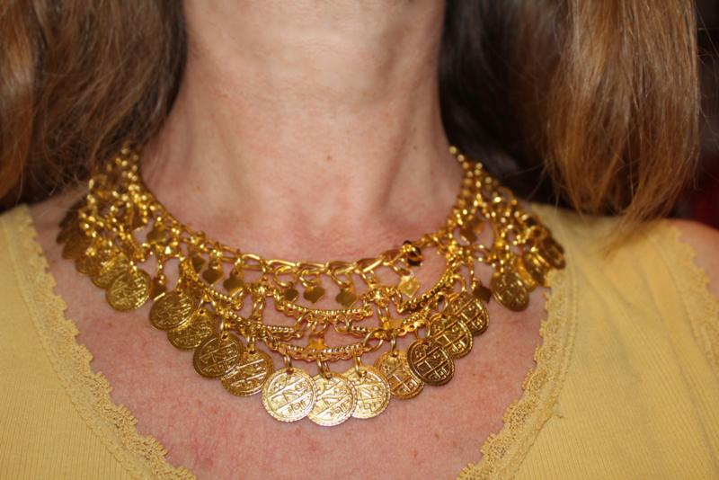 Boogjes halssnoer nr2 met muntjes GOUD kleurig - Extra Large nr2 - Coins necklace GOLD color with bows nr2