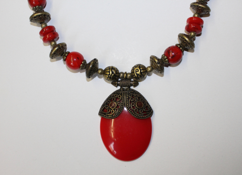 Tribal fusion halssnoer, hanger ROOD GOUD, kralen - Tribal fusion RED pendant, necklace with RED and GOLD colored beads