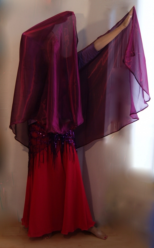 Glimsluier AUBERGINE PAARS halfrond of rechthoekig - Bellydancing veil glowing PURPLE / PLUM color rectangle or halfcircle