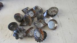 E225 Oude ijzeren bonbon/kleine koekjes vormpje (meerderen op voorraad)