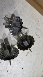 KM011 Oude Kaarsenhouder op steker