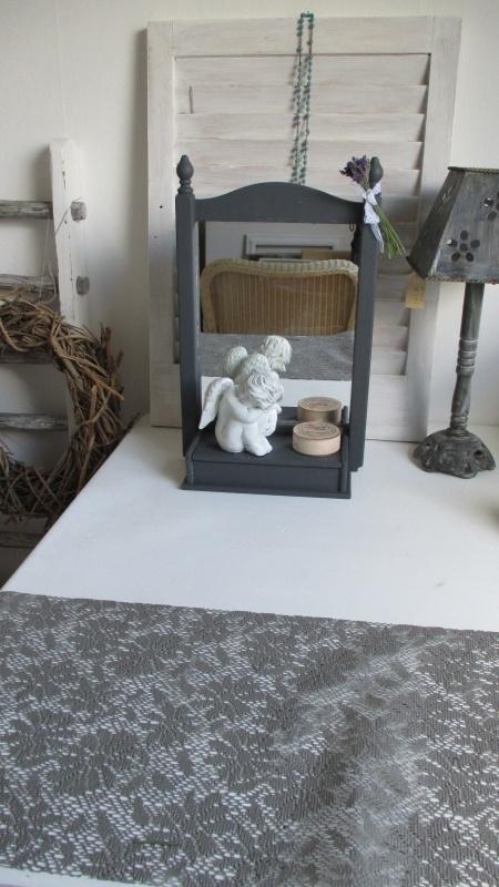 MV004 Hangende/staande spiegel met kammenbakje