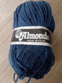 Almonde Monique Blauw