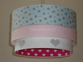 lamp babykamer met hartjes en rozen