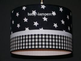 lamp babykamer zwarte sterren en ruitjes