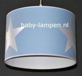 Babylamp lichtblauw met 3 grote zilveren sterren