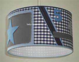 Stoere lamp babykamer blauw geblokt met lichtblauwe ster