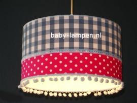 babylamp grijze ruit fucsia stip en witte  bolletjes