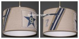 Stoere lamp babykamer  7&9 beige met spijkerstof