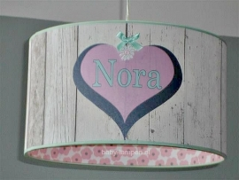 Babylamp steigerhout met drie keer hart Nora