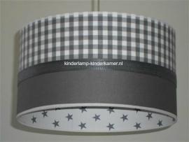 lamp babykamer taupe met ruitje en wit grijze sterren
