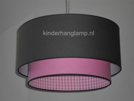 lamp babykamer effen roze en antraciet met roze ruitjes