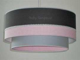 lamp babykamer antraciet zilver bandje roze ruitje en licht grijs