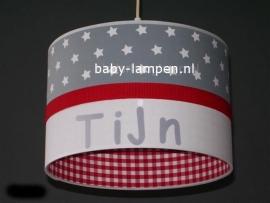 lamp babykamer Tijn grijze sterren rode band en rode ruit