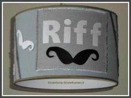 stoere lamp babykamer Riff met snorretjes