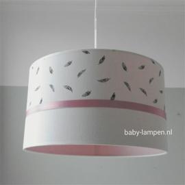 babylamp oud roze veertjes