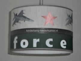 kinderlamp babykamer airforce legergroen beige en straaljagers