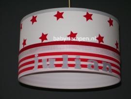 lamp babykamer Julian wit met rode sterren en strepen