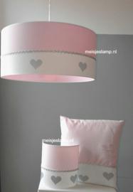 lamp babykamer roze met zilveren hartjes