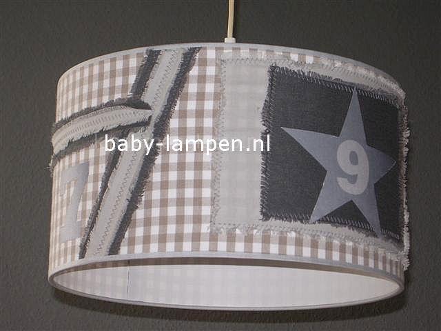 Stoere lamp babykamer beige ruit 7 &9