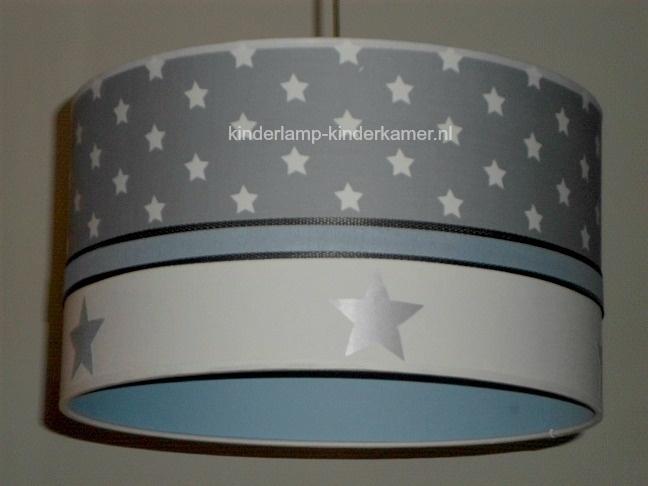 Babylamp grijze sterren en zilveren sterren met lichtblauwe binnenkant