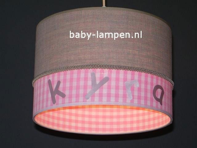 lamp babykamer Kyra beige en roze ruit