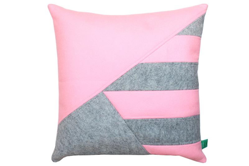 Cushion wool felt pink