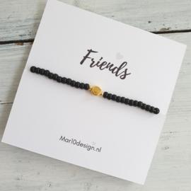 Kaartje Friends met armbandje