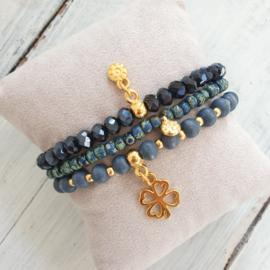 Armbandjes blauw goud
