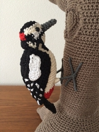 Great spotted woodpecker crochet pattern