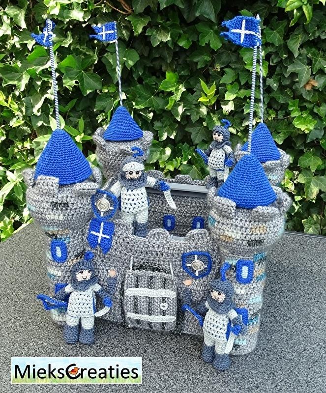 Castle and knight crochetpattern