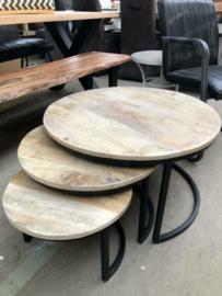 Nieuwe set 3 salontafels hout