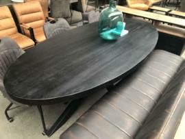 Nieuw: Eettafel ovaal Kala zwart hout
