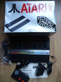 Atari 2600 console met 1 controller en incl doos