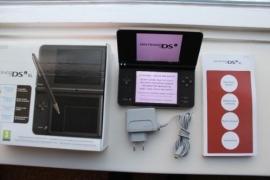 Nintendo DSI XL (zeer nette staat)