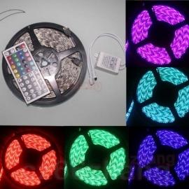 Ledstrip RGB 5050 300 LEDS 5 meter incl 44 knop RGB controller