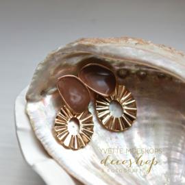 Oorbellen beach ornament goud/bruin