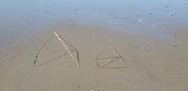 Kleine open piramide