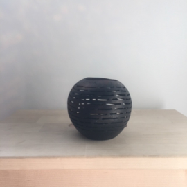 Kokosnoot waxinehouder streepjes zwart  |  Maat M