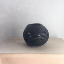 Kokosnoot waxinehouder streepjes zwart  |  Maat L