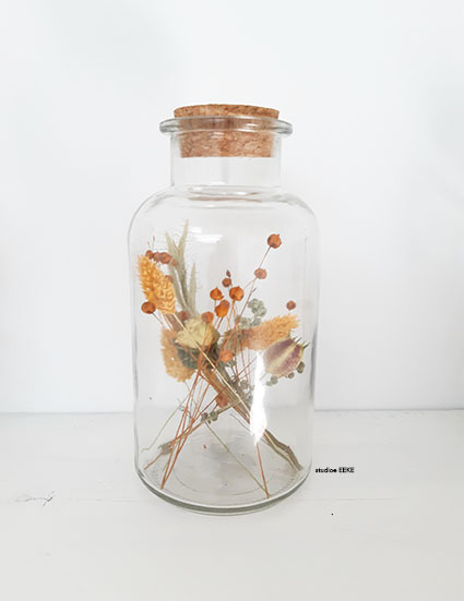 Jar  met droogbloemen Studio EEKE XL oranje