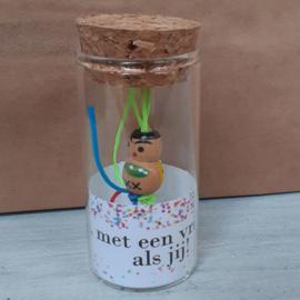 Glazen buisje met gelukspoppetje 118 Blij, met een vrijwilliger als jij v.e 2 stuks