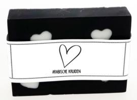 106 luxe zeep met hartjes 6x8 cm Arabische kruiden *** hartje*** v.e 3