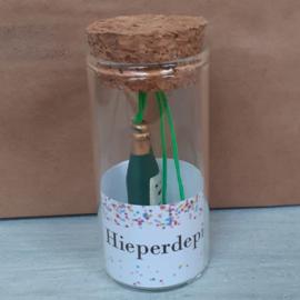 Glazen buisje met gelukspoppetje 108 Hieperdepiep hoera v.e 2 stuks