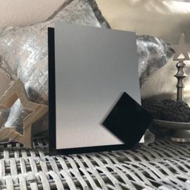 Blanco Naambordje - RVS Look Zilver met Zwarte Achterplaat & Ruit - 15 * 20 cm