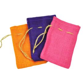 Gekleurde Jute zakjes met sluitkoord - 12 * 18 cm - 3 kleuren leverbaar
