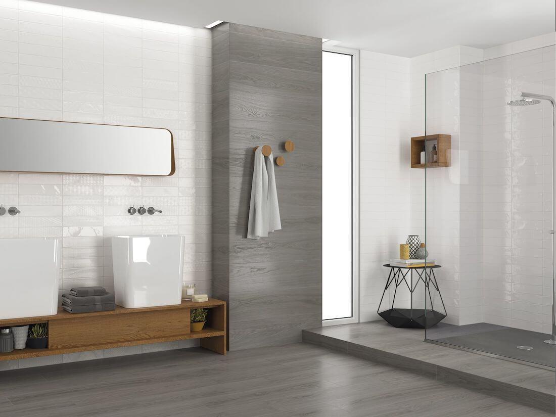 Badkamer met glazuur tegels