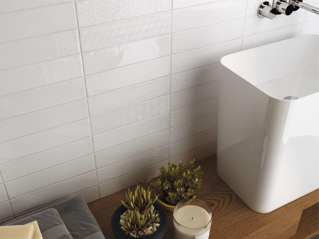 Geglazuurde badkamer- en keukentegels